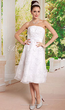 Corte Recto Hasta la Tibia Strapless Vestido de Novia with Beaded Apliques