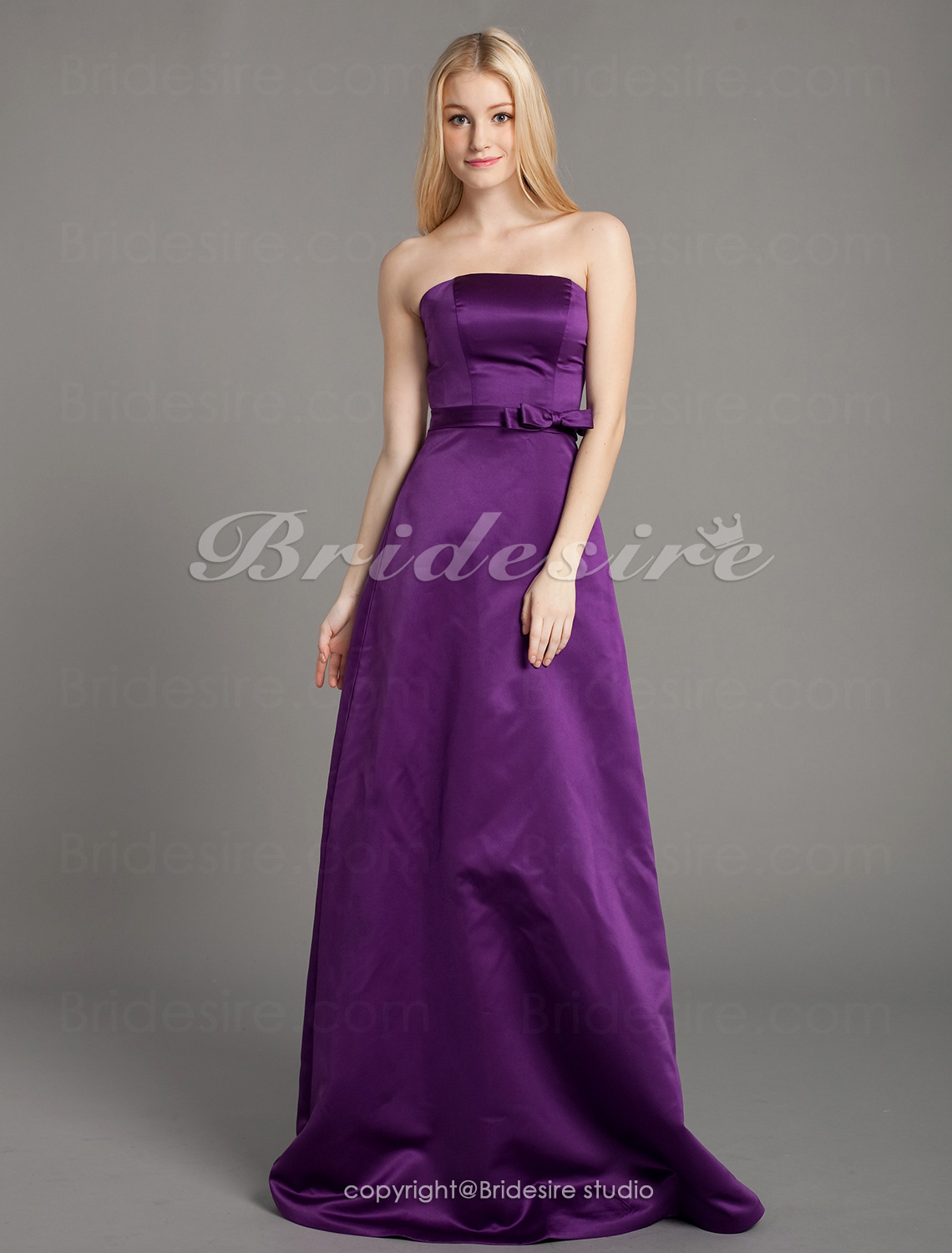Corte Recto/ Column Tramo Satén Hasta el Suelo Strapless Bridesmaid/ Wedding Party Vestido