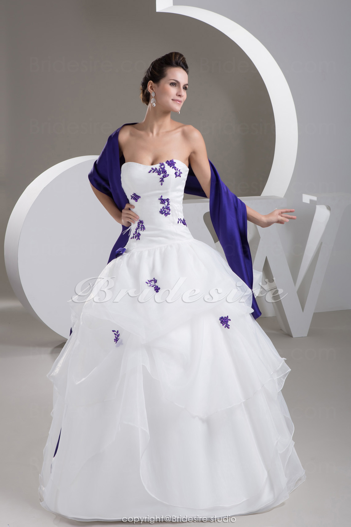 Ball Gown Strapless Floor-length Sleeveless Satin Organza Weddin